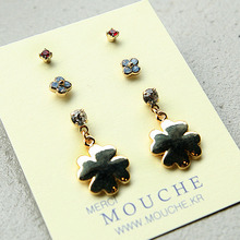 Tiny Charm Earring Set3-Clover